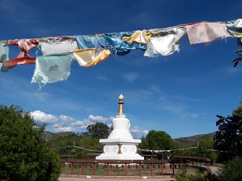 monastère bouddhiste parc de garraf